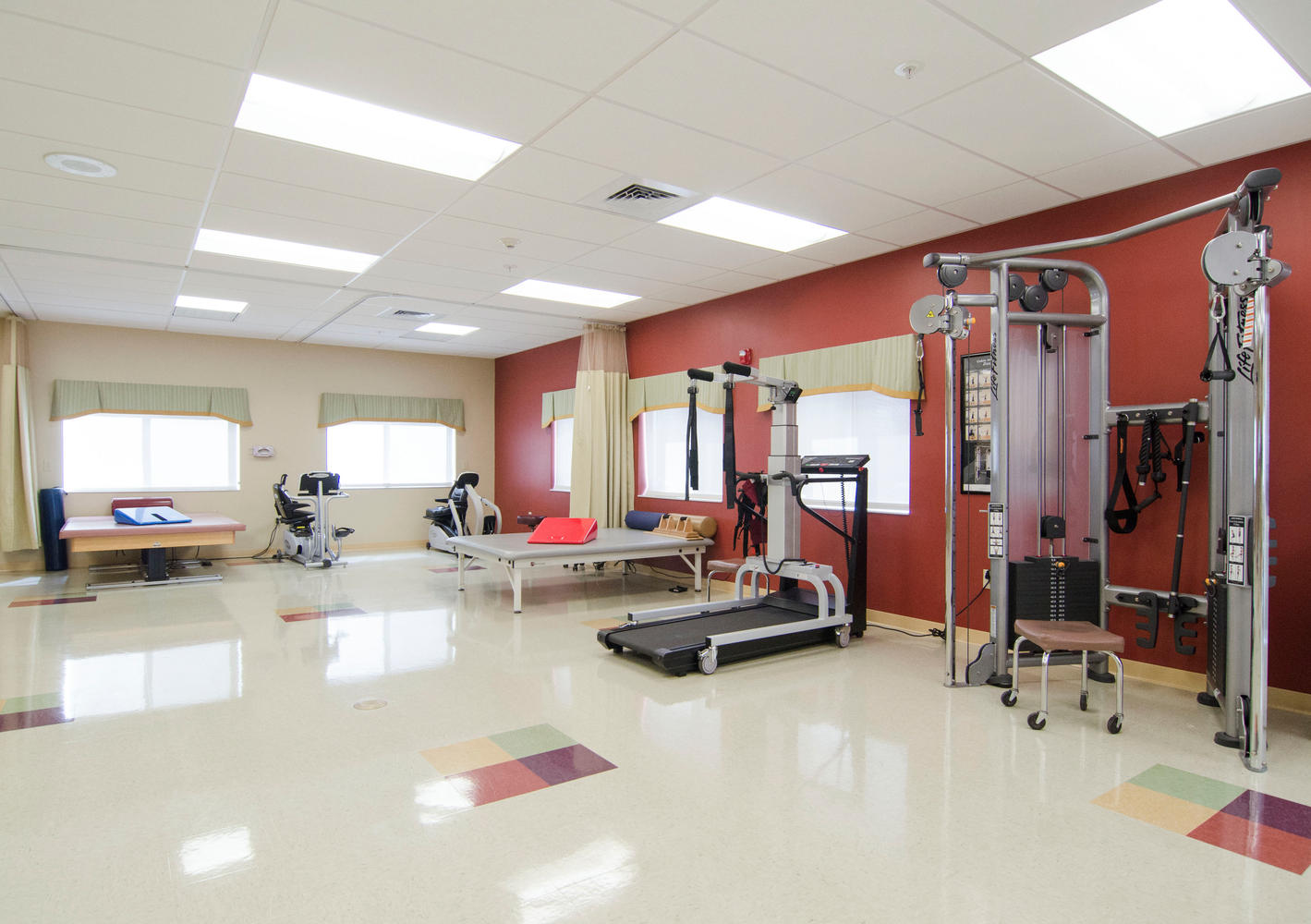Heartland Of West Ashley Rehab Large 006 Therapy Gym 1419X1000 72Dpi