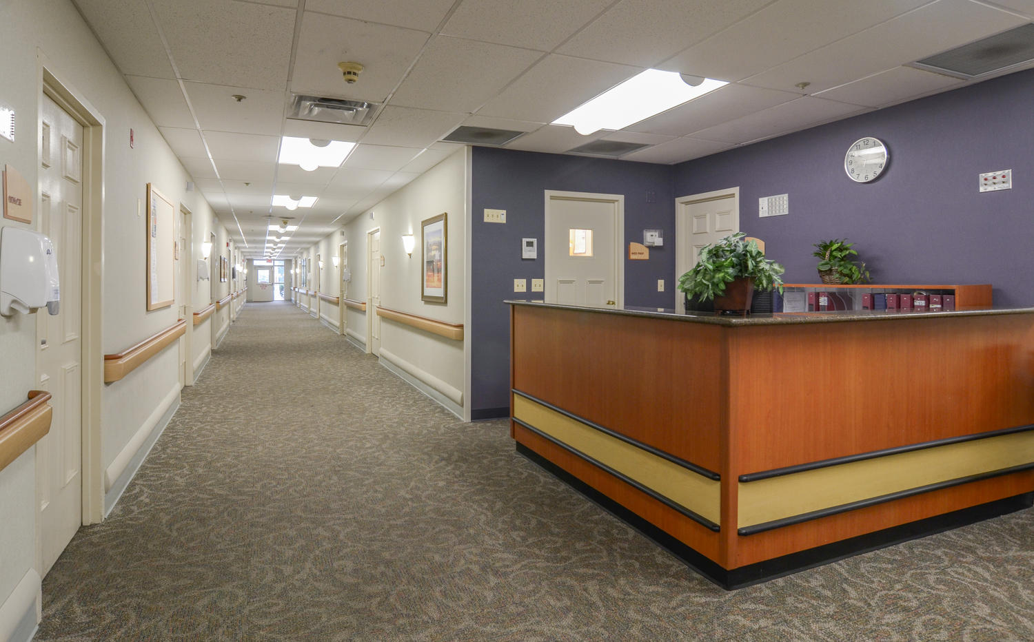 Manorcare At Arlington Heights Large 006 Nurses Station 1500X932 72Dpi