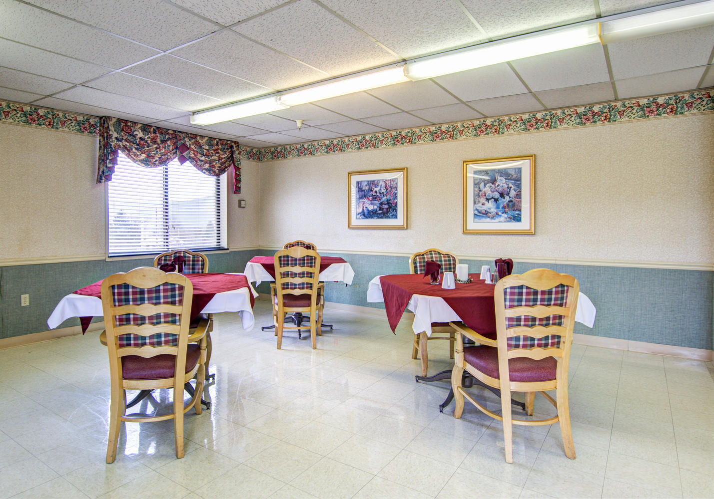 Manorcare Health Services Large 001 Dining Room Still 1430X1000 72Dpi
