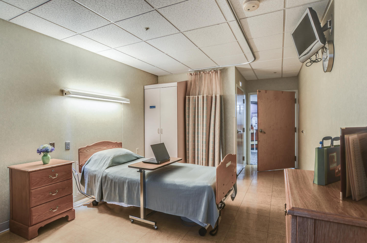 Manorcare Health Services Large 008 Private Patient Room 1500X994 72Dpi
