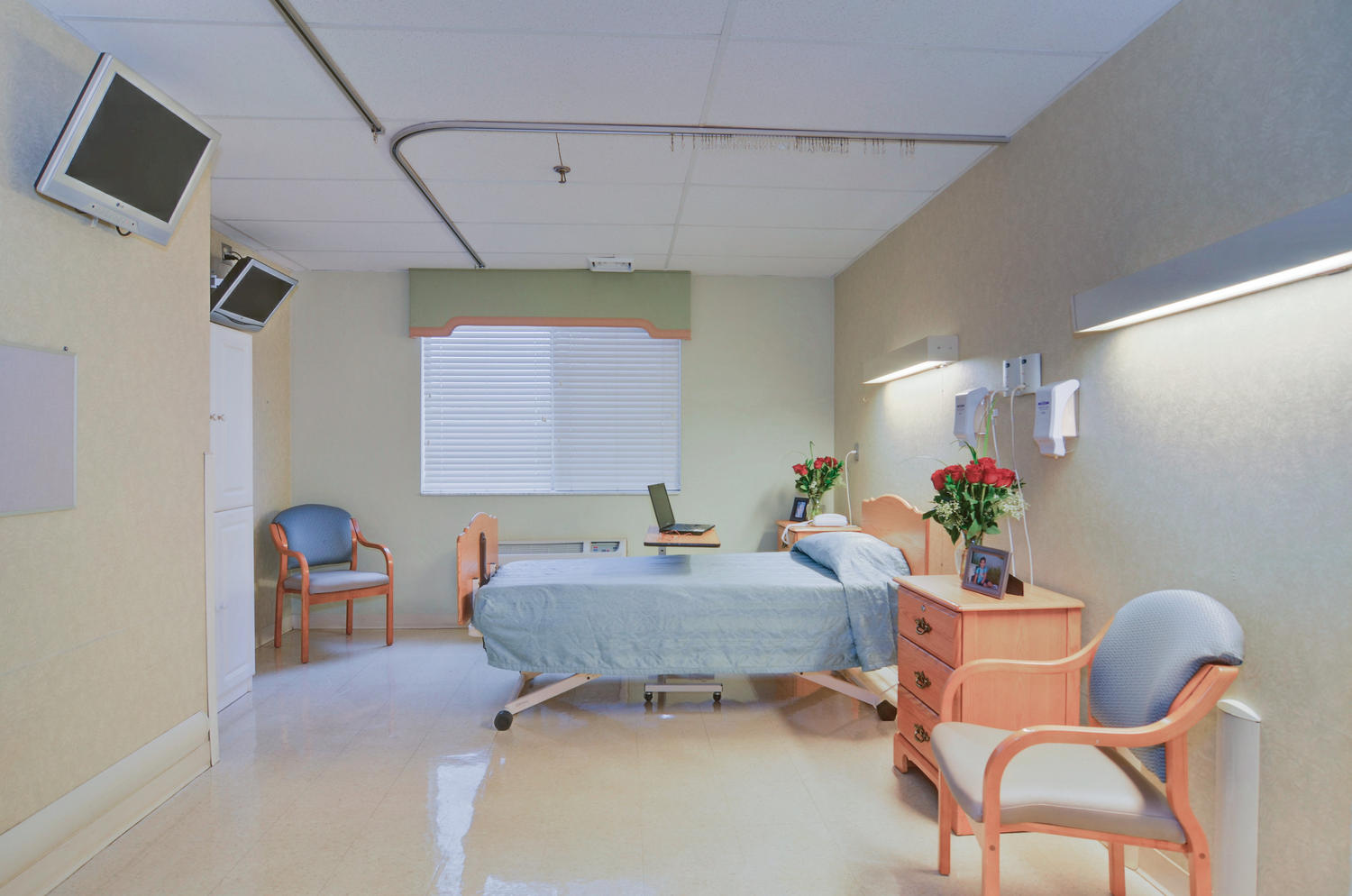 Manorcare Health Services Large 002 Private Patient Room 1500X994 72Dpi