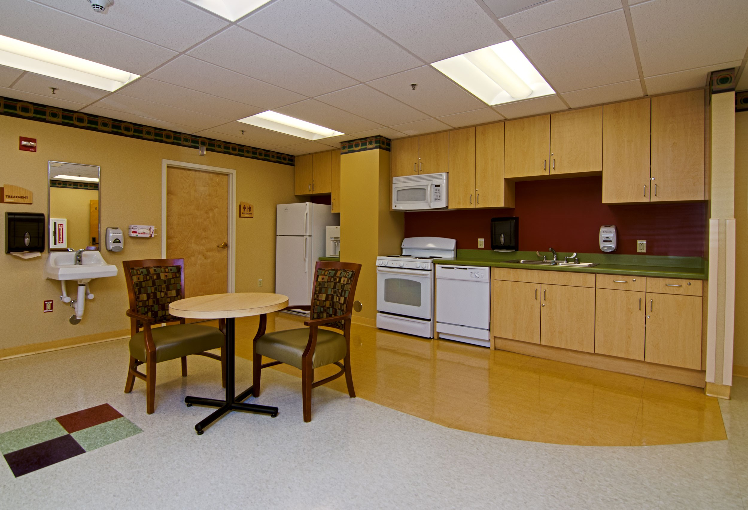 017_Kitchen Area.jpg