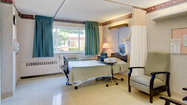 Manorcare health services east green bay heartland for Small room 009 attention please